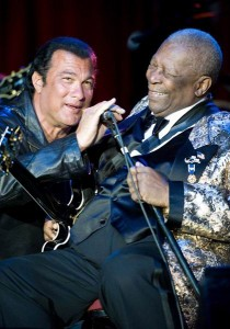 Steven Seagal appears briefly with B.B. King at Route 66 Casino